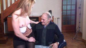 Petite baise amateur avec sodomie et éjac dans la bouche !